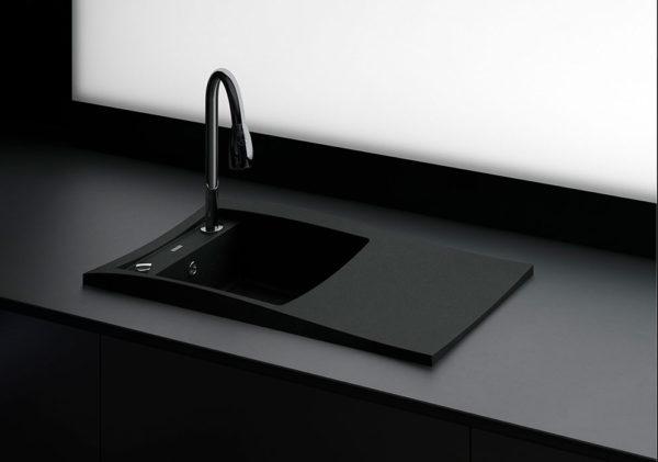Большая кухонная мойка, гранитная STELA Черная