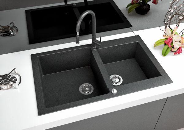 Кухонная мойка гранитная Florina черный