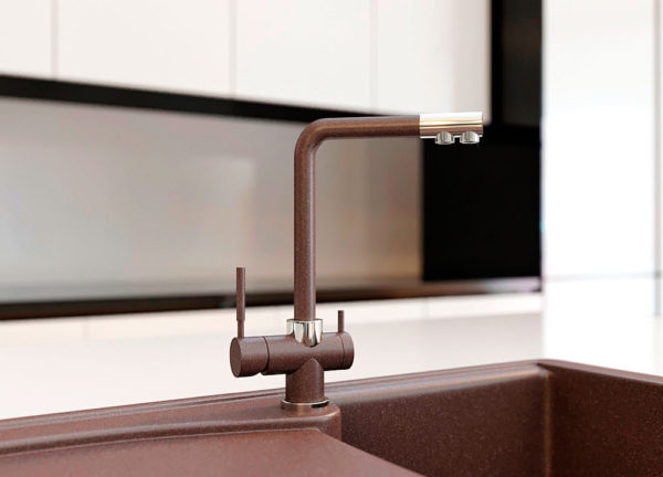 Кухонный смеситель с подключением фильтра черный Kaher Zegor цвет коричневый